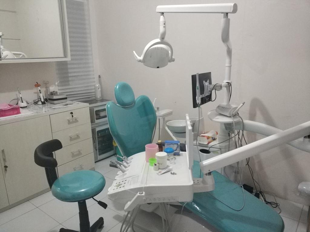 Klinik drg Diajeng Putri Anggraini